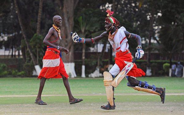 Масаи играют в крикет